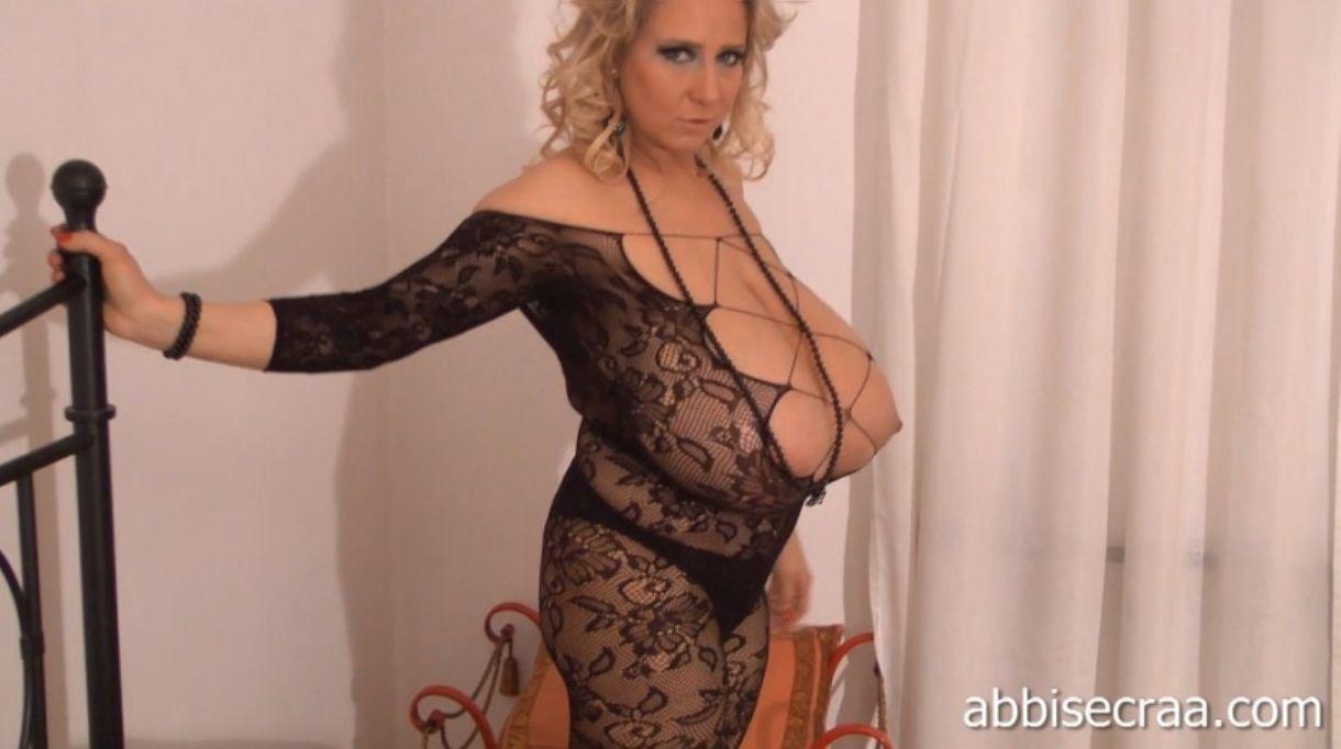 Exetremly big boob