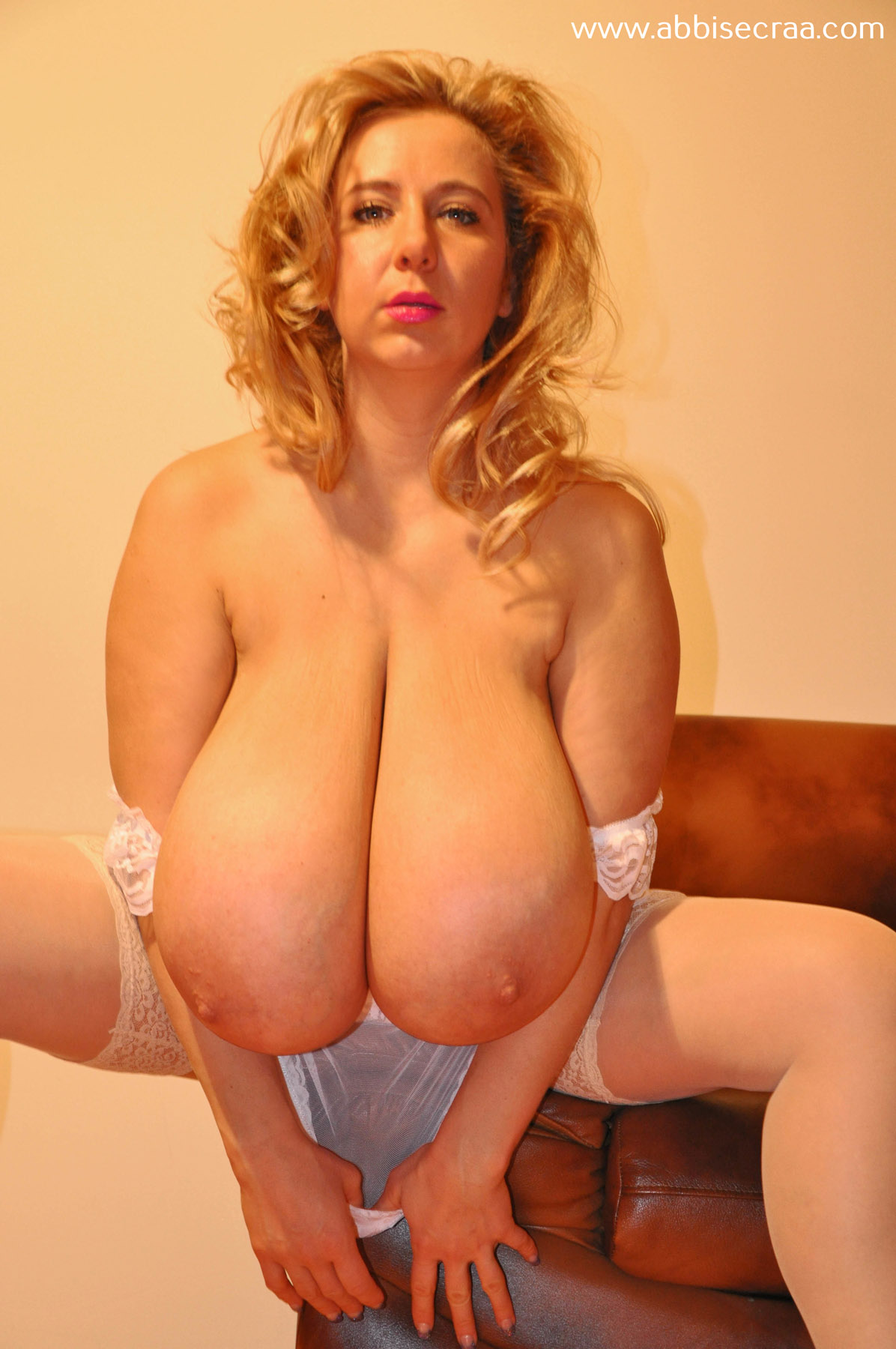 Amateur posing her gigantic tits in the webcam - 3 10