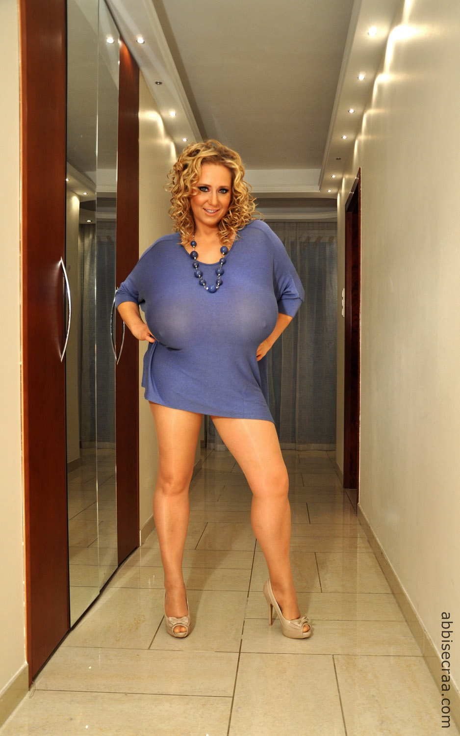 Biggest breasts ever on a 9 month pregnant milf - 3 4