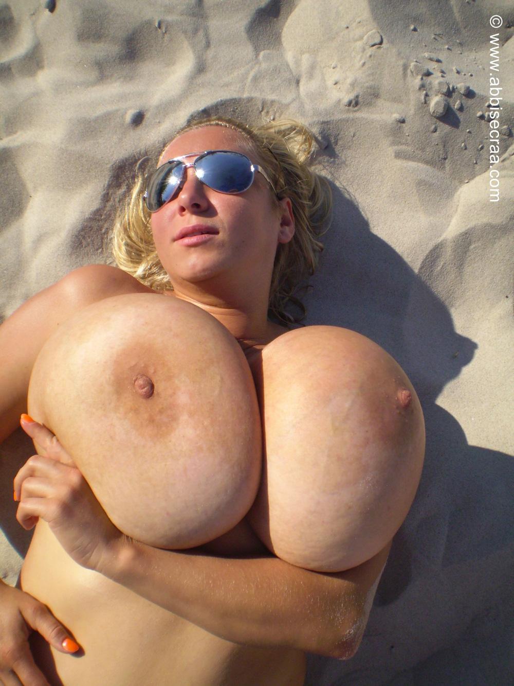 big boob white red hd