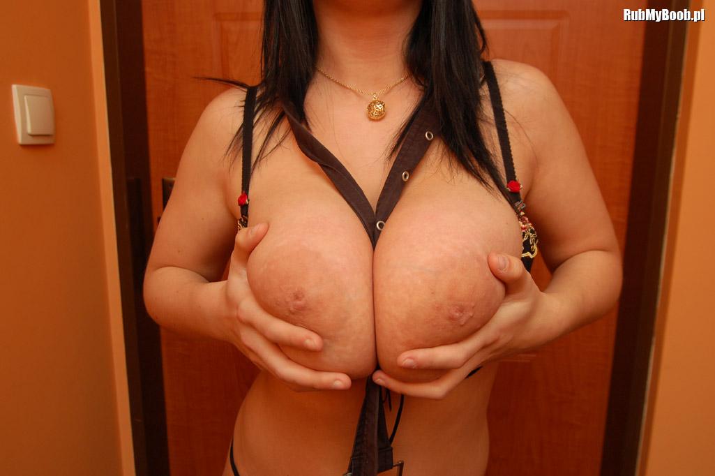 Мягкая грудь фото