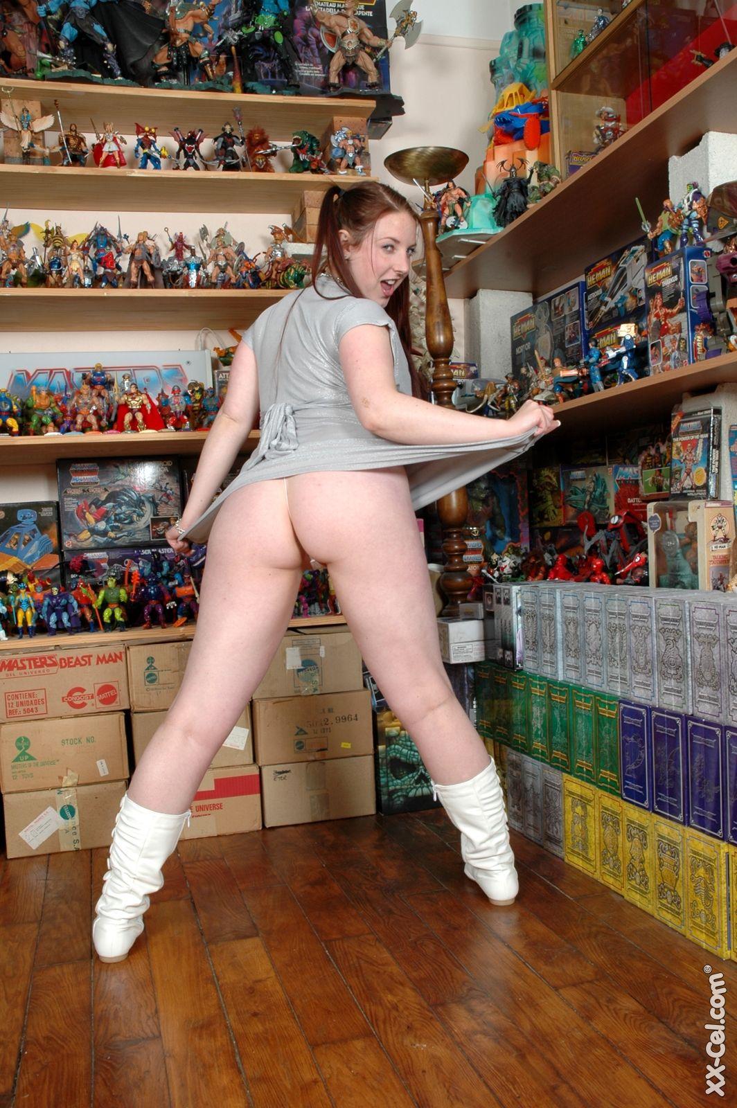 nerdy girl big tits nude