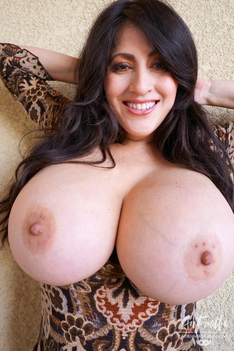Antonella Kahtlo Porn antonella kahllo cleavage time   free hot nude porn pic gallery