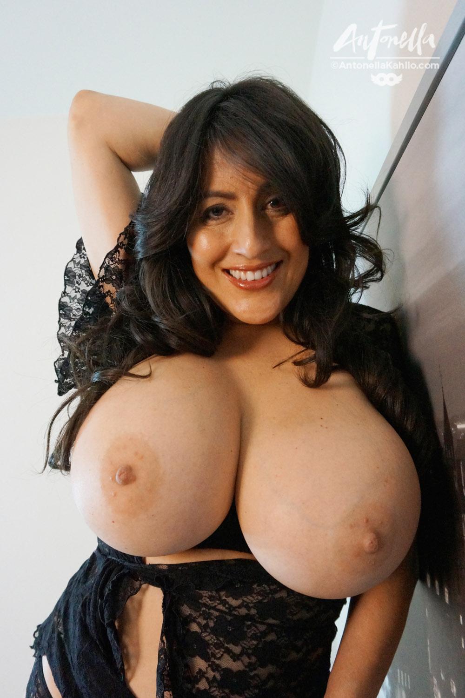 Antonella huge tits
