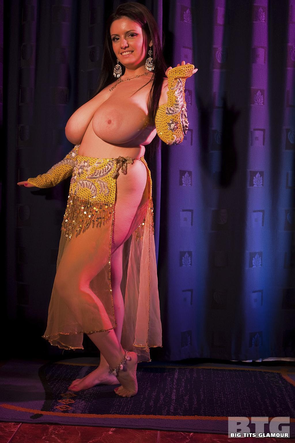 Big tits ass dance