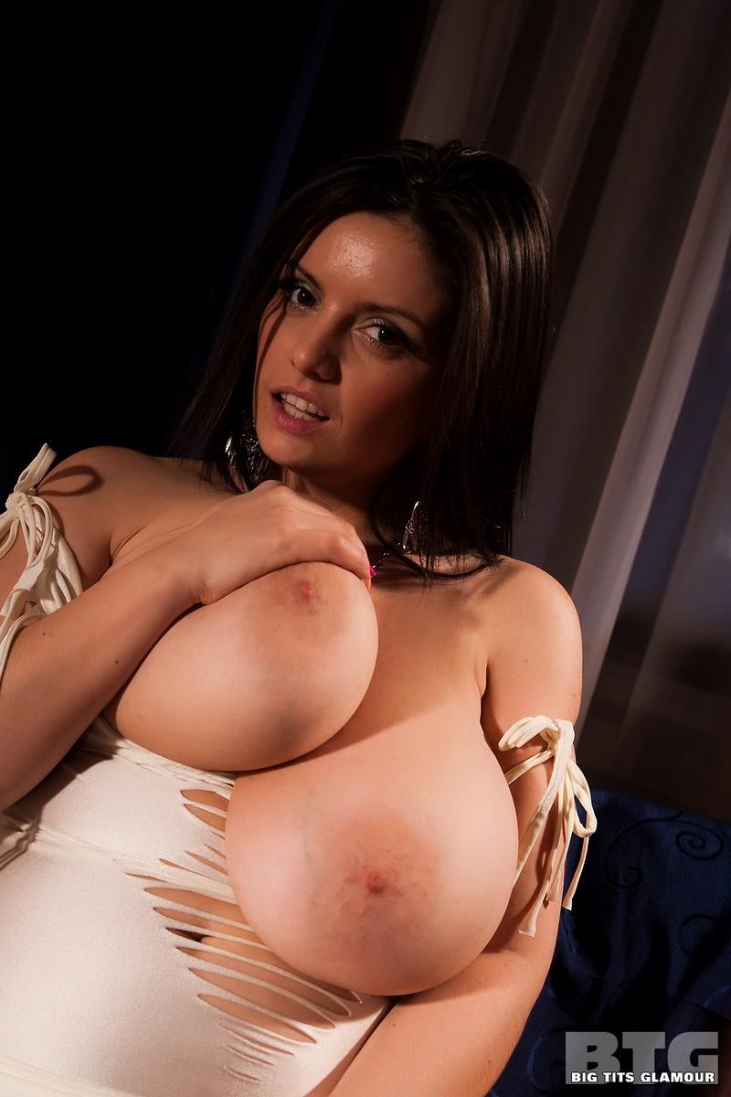 Cut her tits off