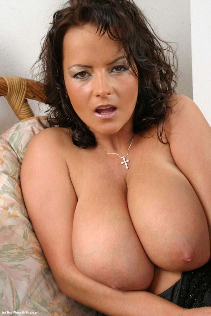 amayuer natural boobs jpg 1080x810