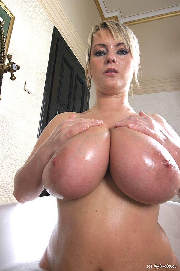 Beabrice Nude