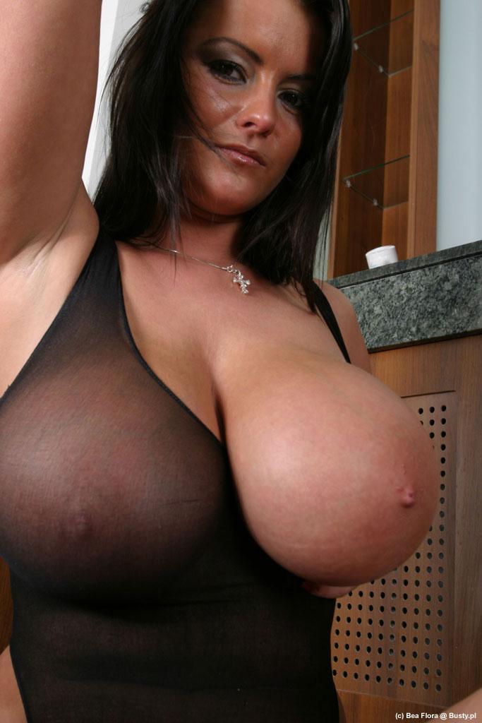 Indian bhabi nuket boobs photos