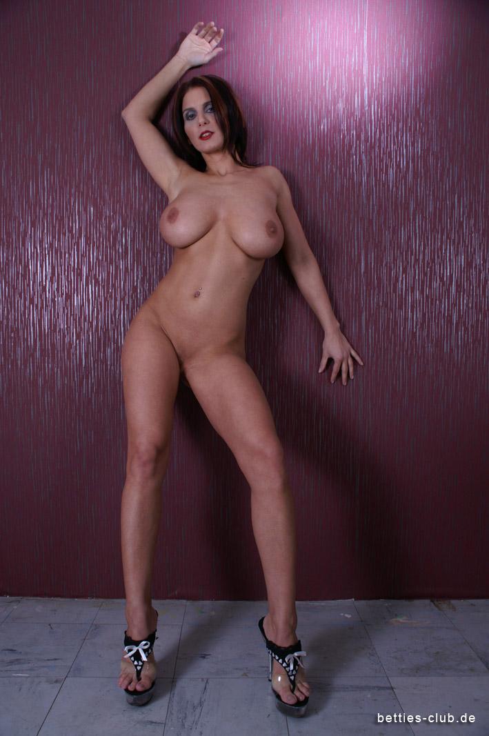 Bettie Ballhaus Nude