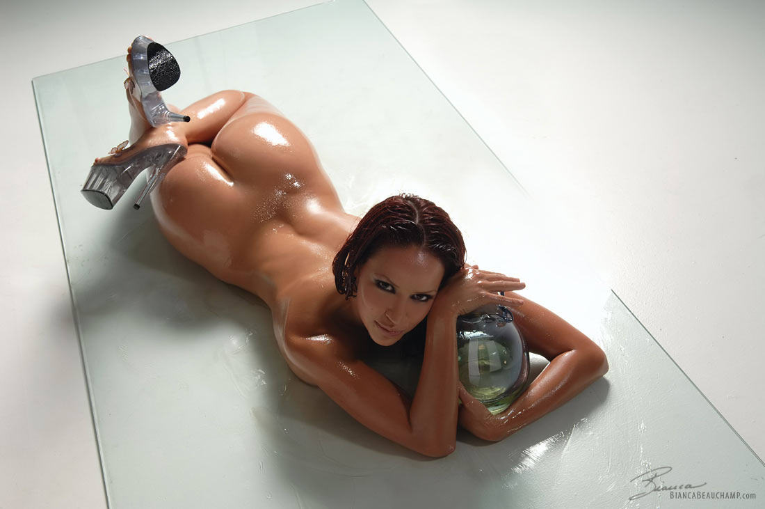prime curves - bianca beauchamp oiled gallery