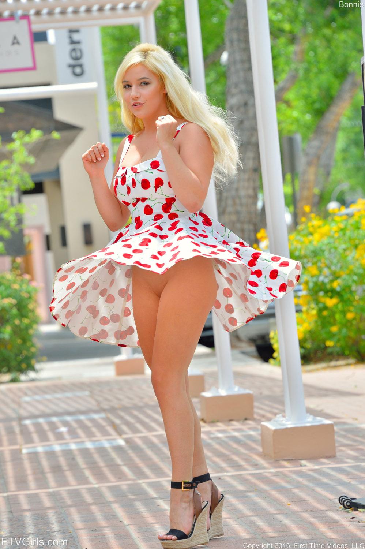 Bonnie Kinz Busty Ftv Girls Debut