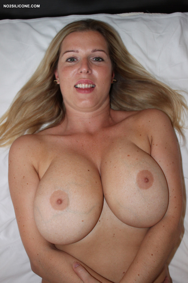 Single mother with saggy titties sucks me - 3 part 2
