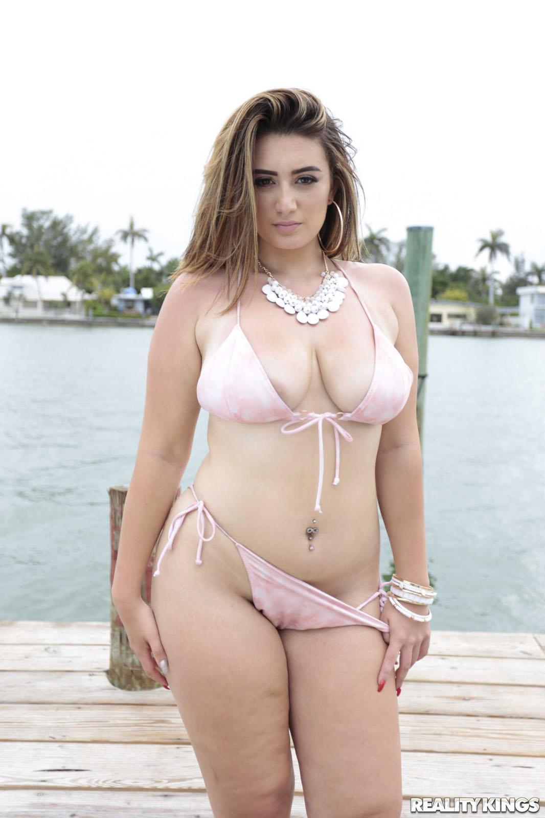 Britt james atk Britt James Big Bouncy Tits Prime Curves