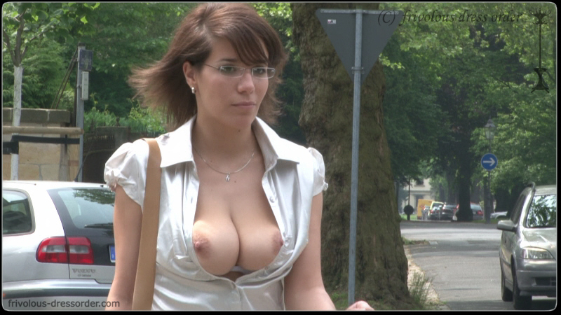 Boobs fall out in public