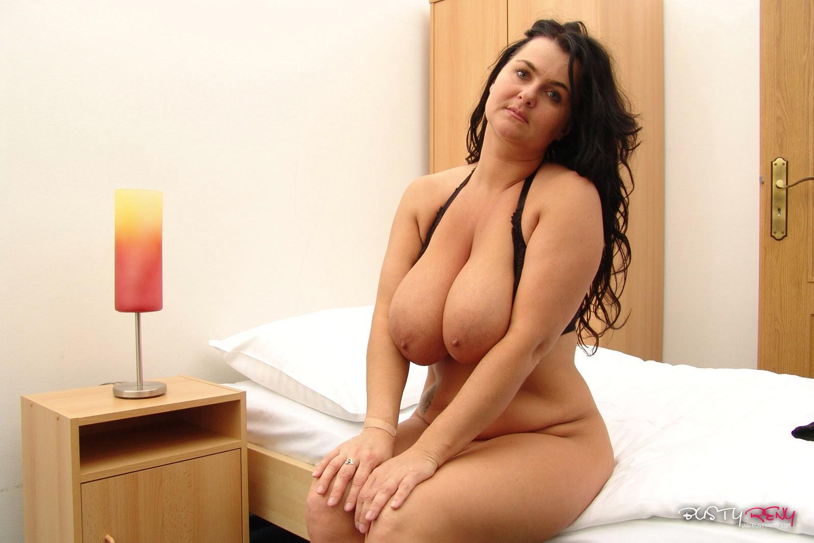 Xxx reny moms naked pics