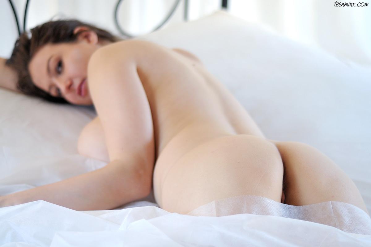 Silver screen nudes