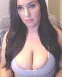 Tia Titts DD Webcam
