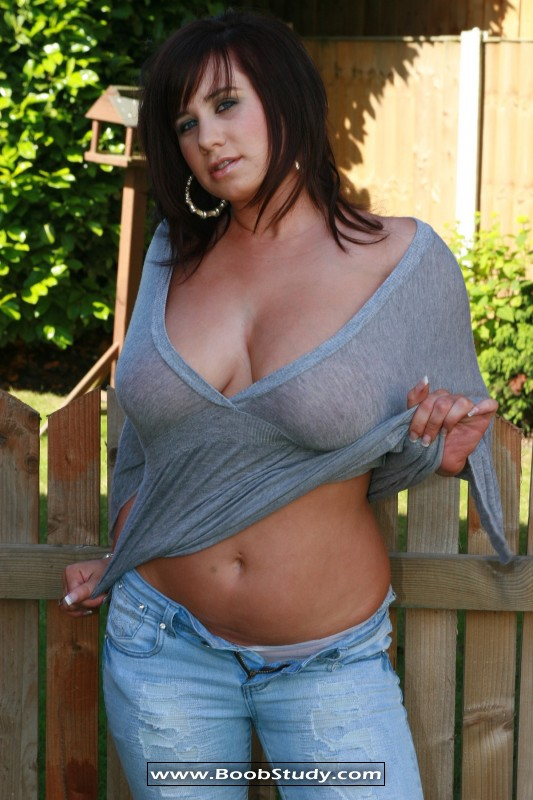 Carly Busty Britain 34