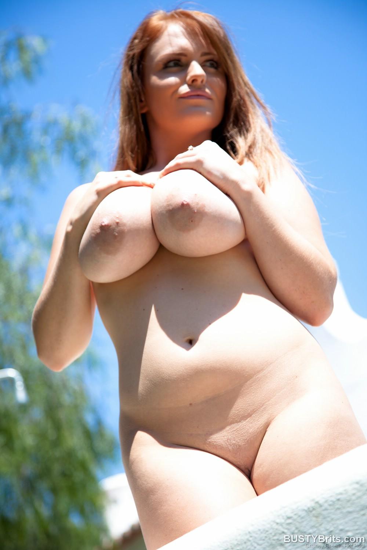 Фотосессия откровенных голых пухлых девушек