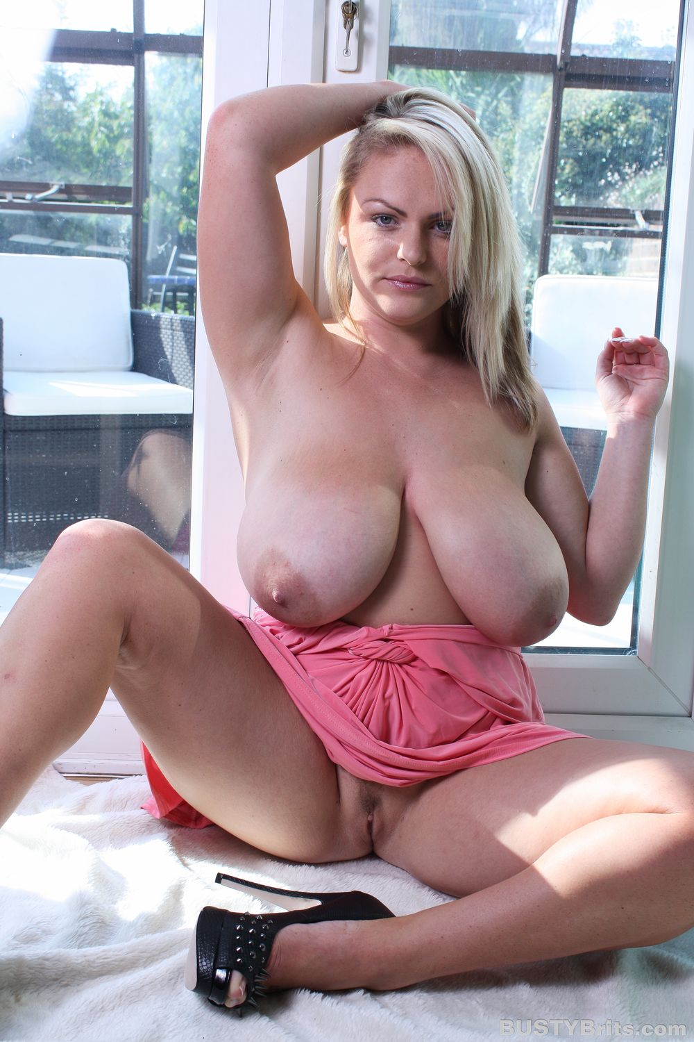 image Busty chubby milf charlie cumming on a black cock