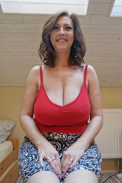 Tank huge top in tits Brunette Tank