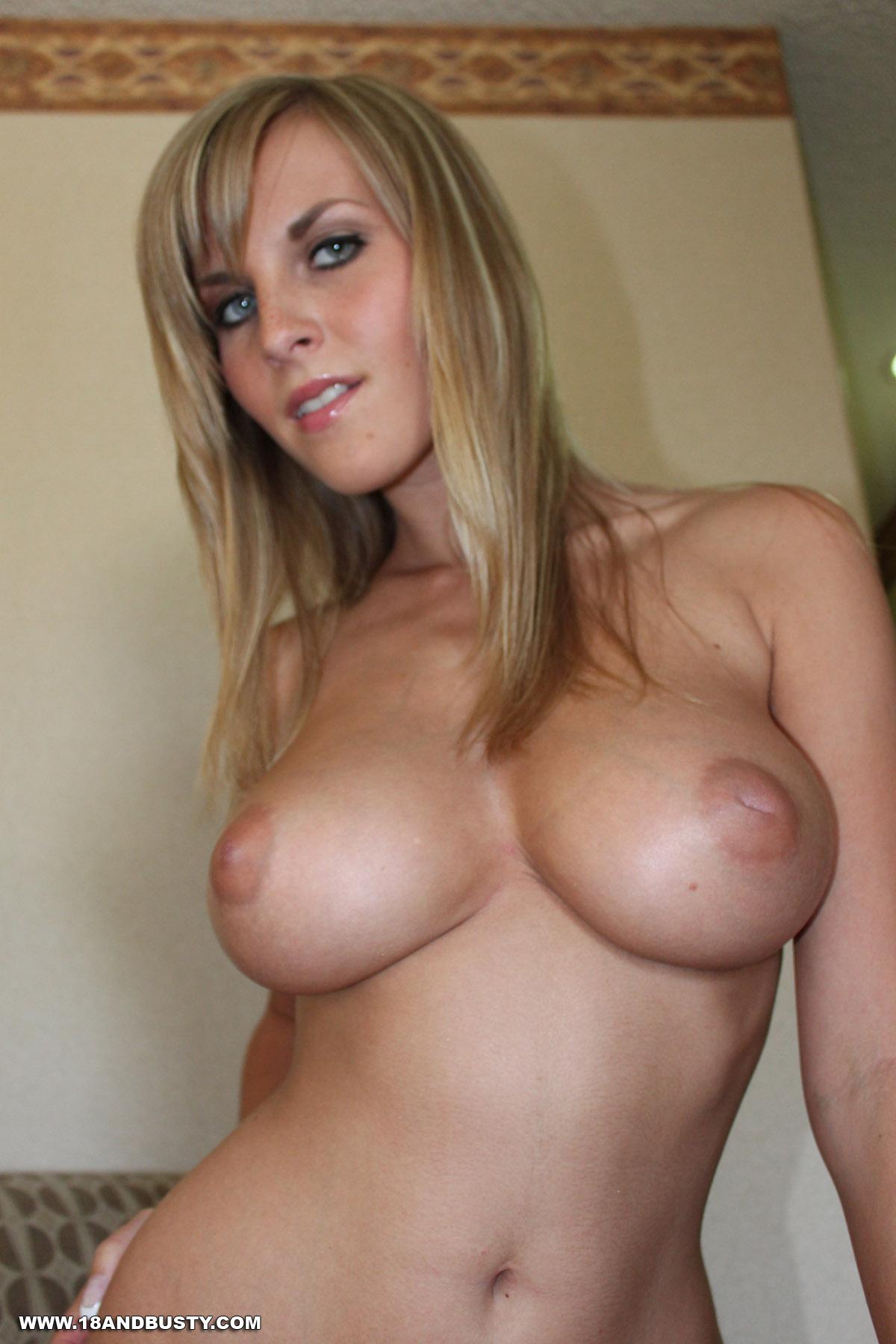 Female bodybuilder huge tits-5606
