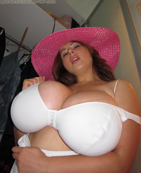 Chole german big boobs