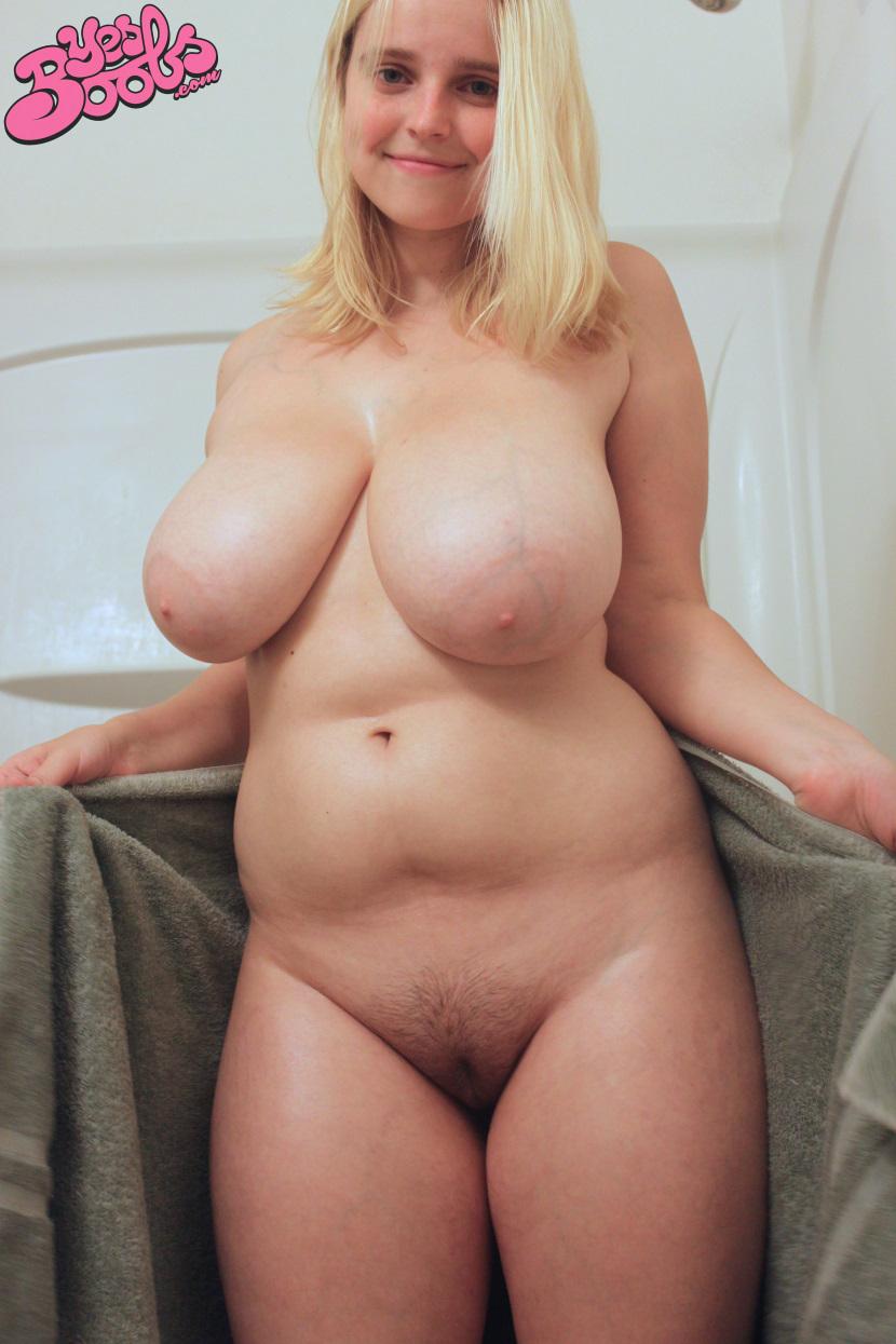pics of boobs in a bubble bath