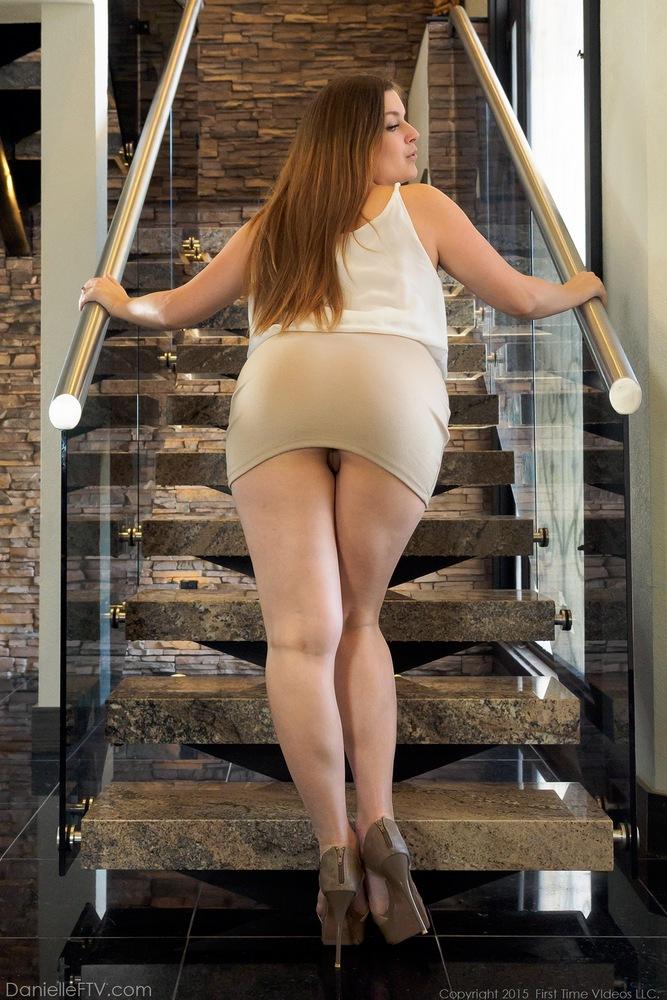 Upskirt sous la jupe super entre jambe - 1 part 2