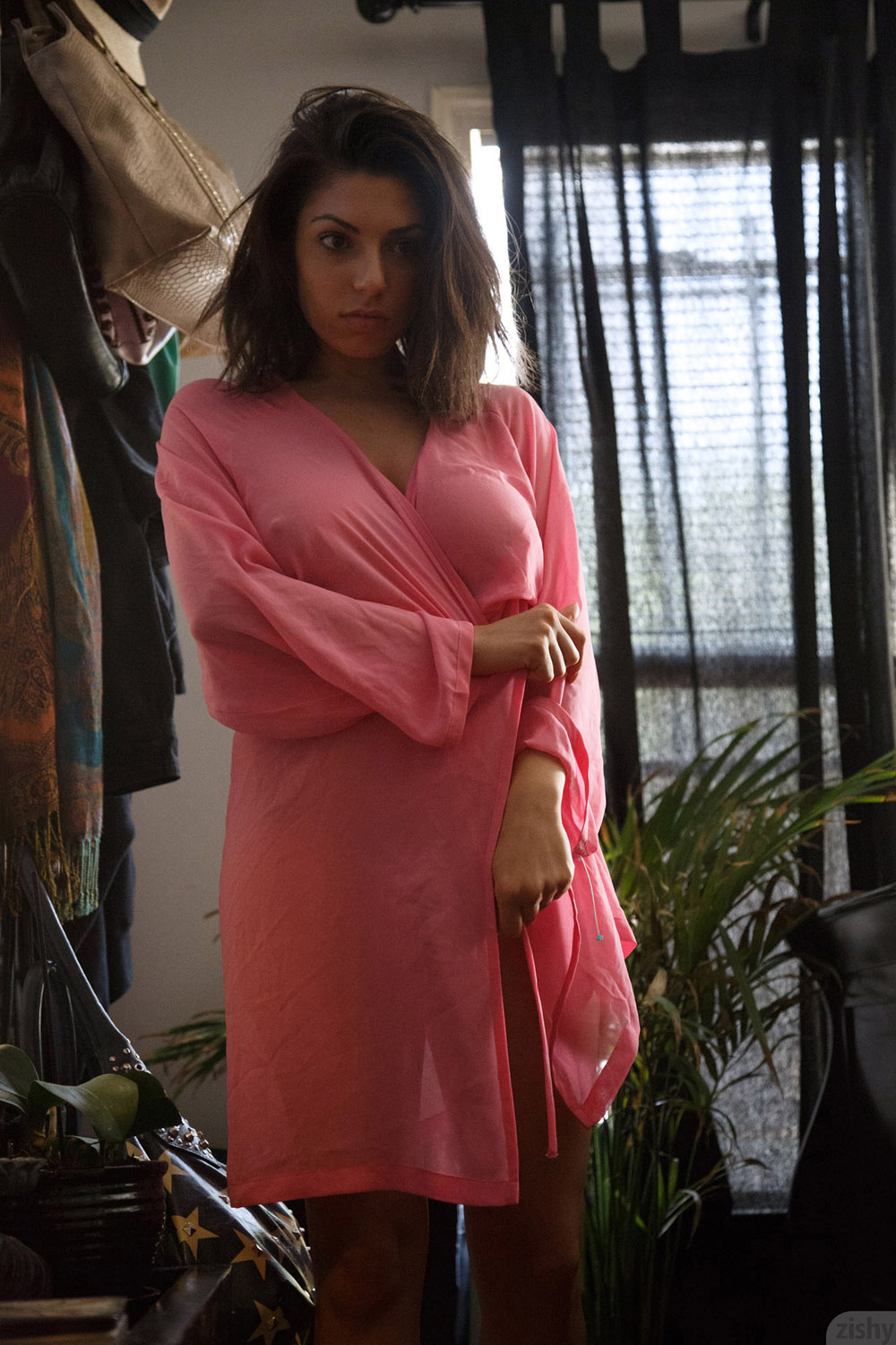 darcie dolce red and pink curves zishy