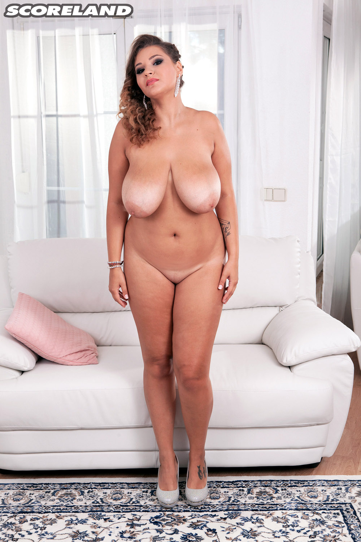 Daria Fresh And Curvy Scoreland-4721