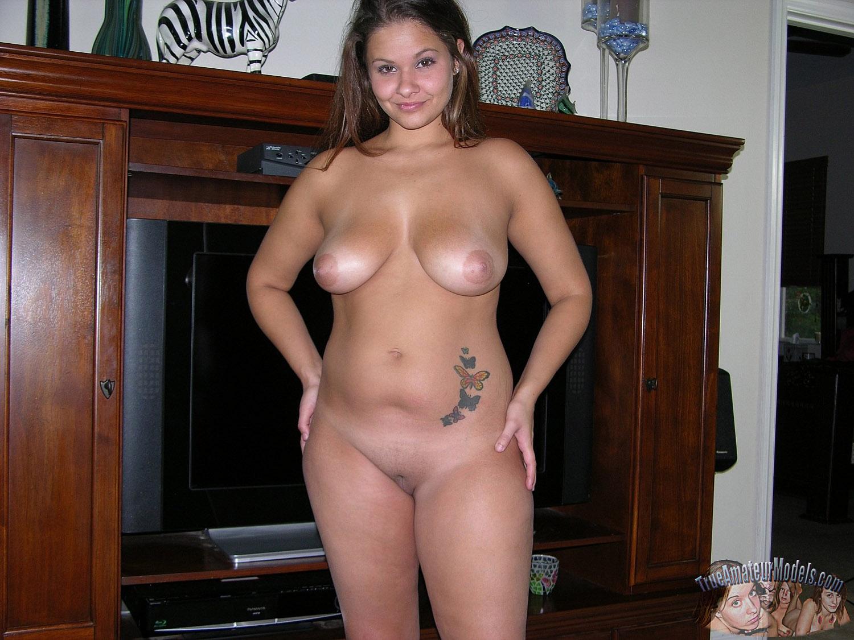 Chubby Amateur Girl Spreading Nude