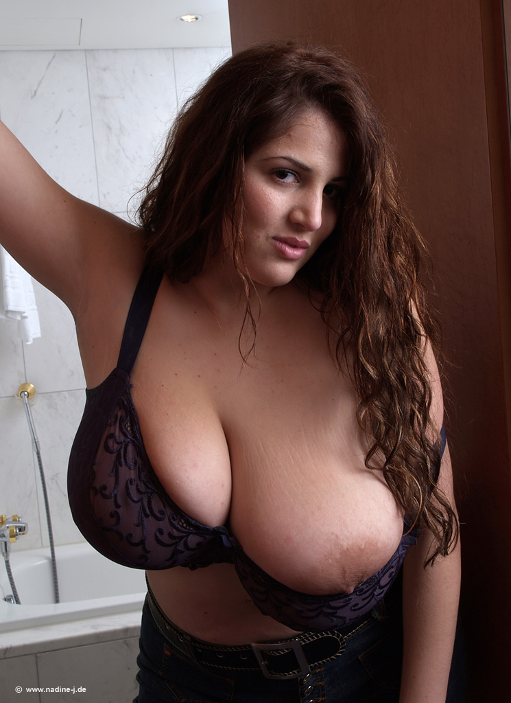Luna amor and her busty friends - 3 part 3