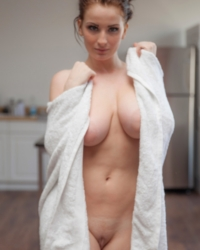 Emmy Sinclair After A Shower Zishy