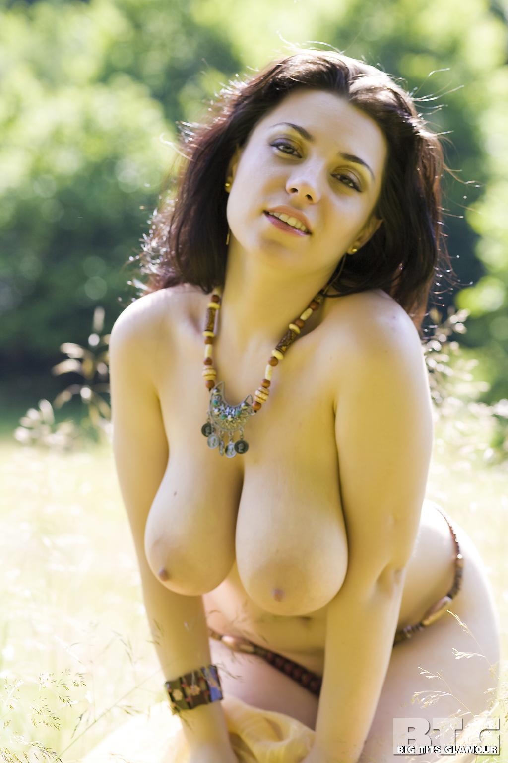 Women large naked tits