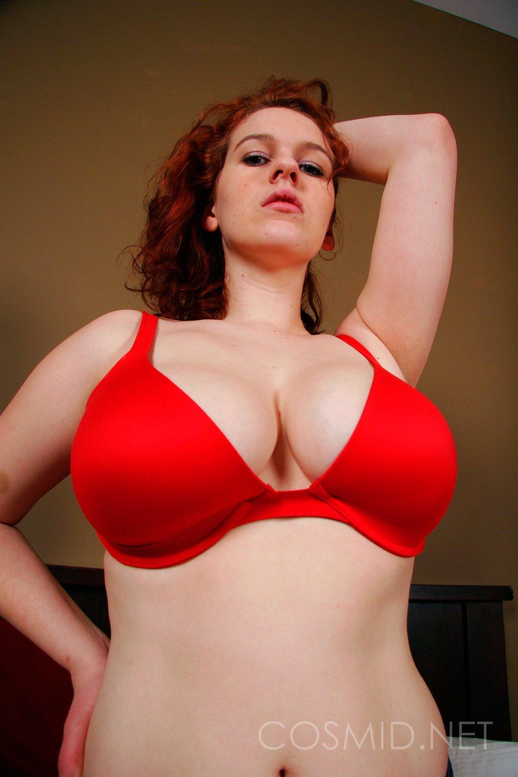Redhead Curvy 84