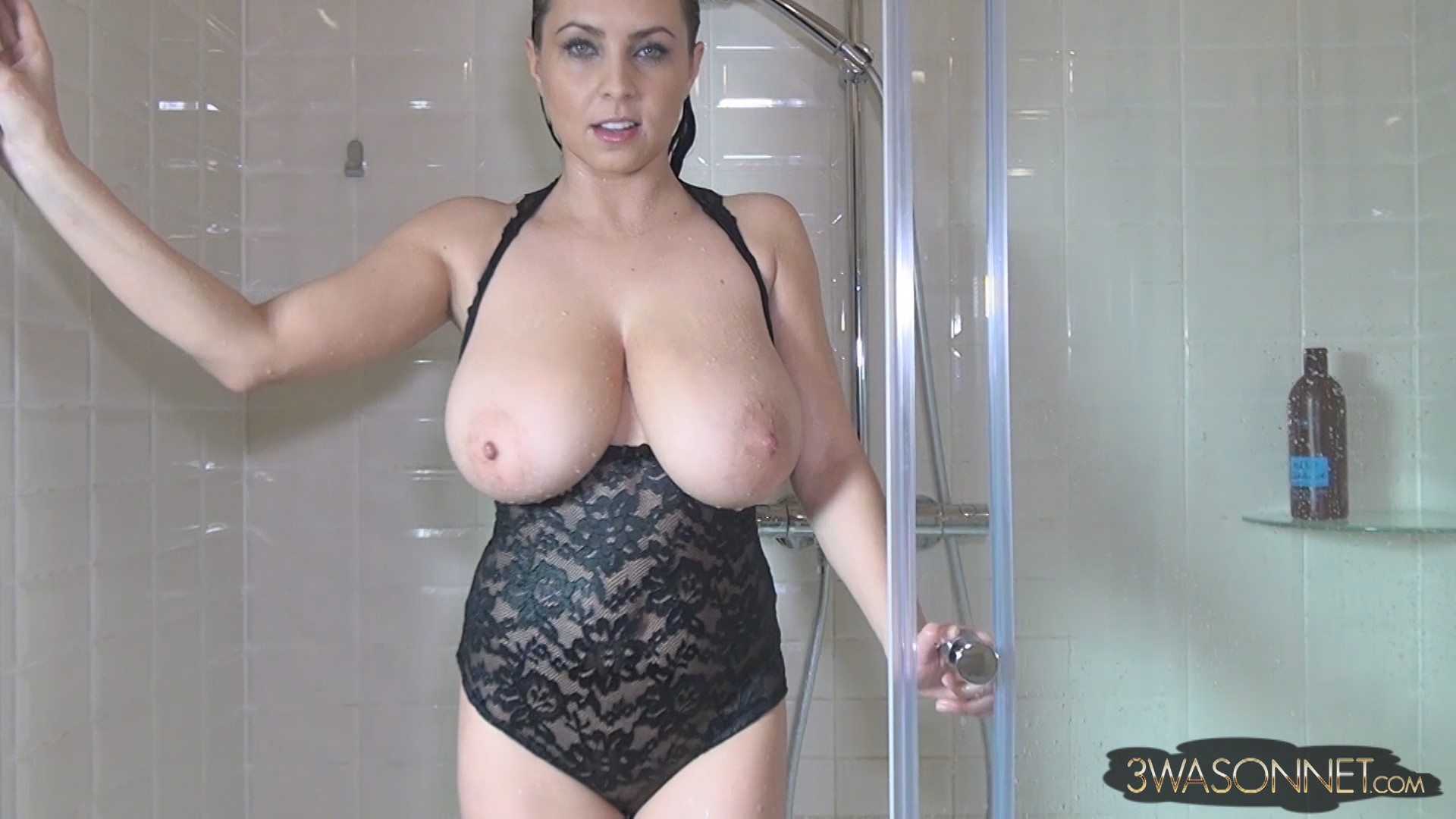 The Ewa sonnet nude in shower Riding
