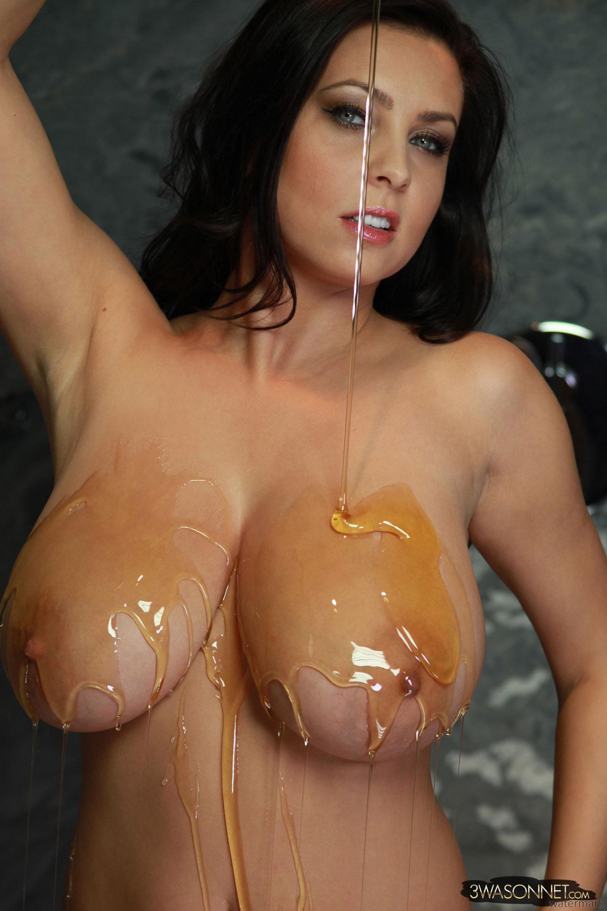 Sucking pussy through a straw