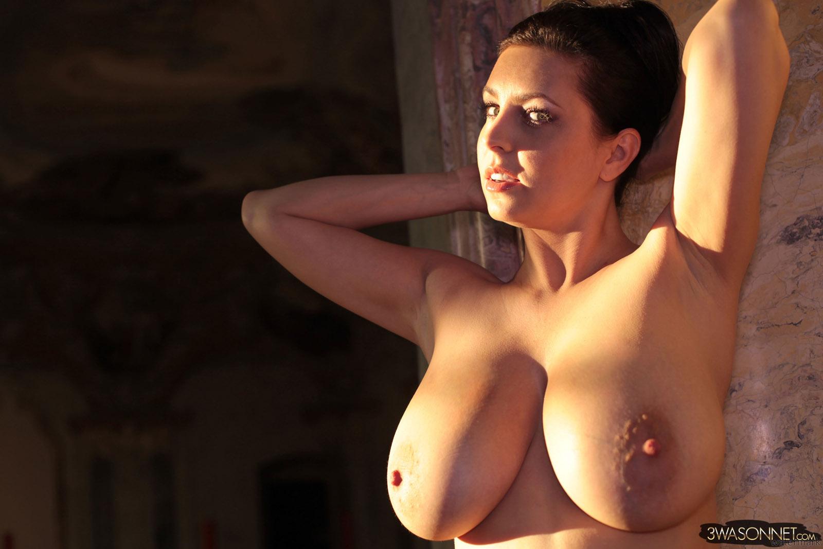 ewa sonnet sucking pussy nude