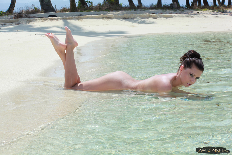 sexy tropical beaches nude