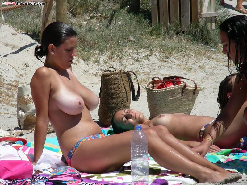 Tits in the beach