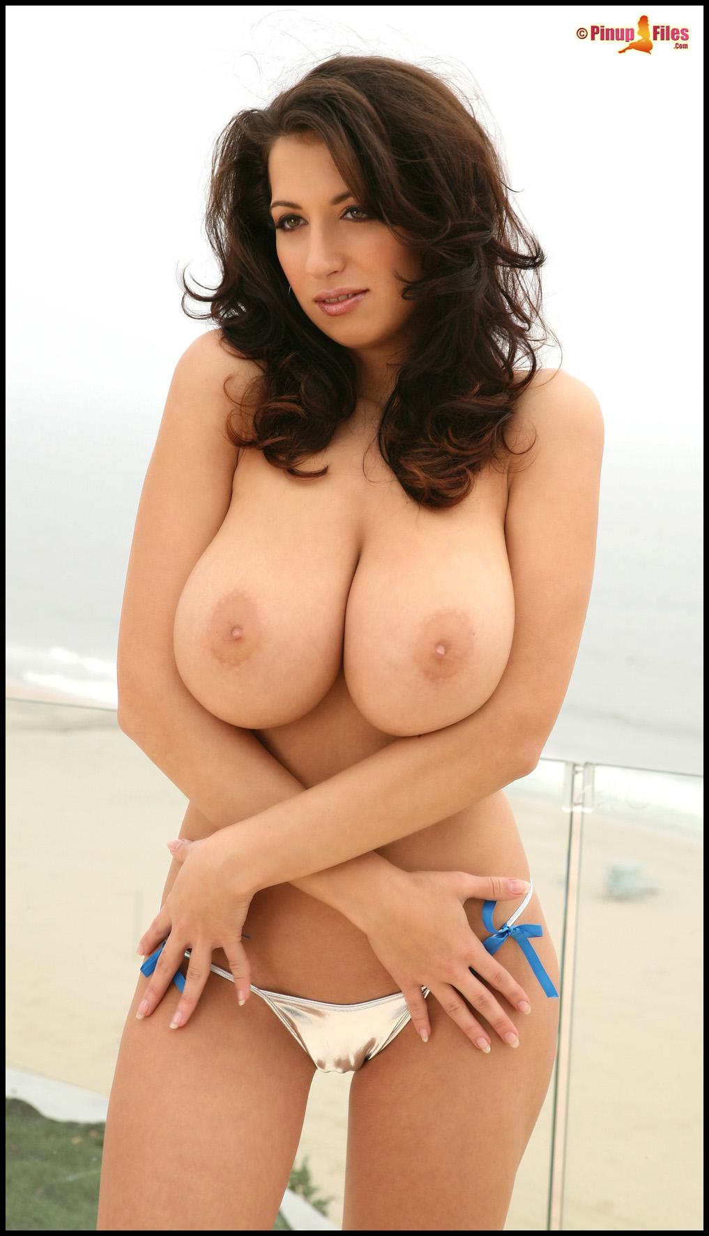 Kvinder Med Meget Store Bryster