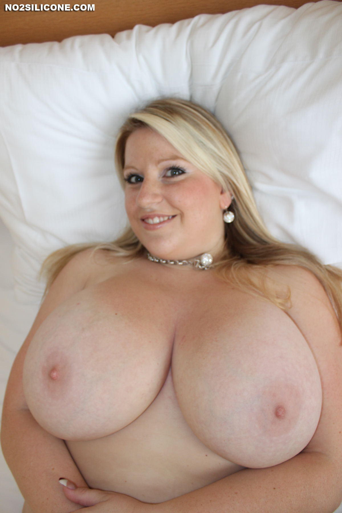 Kristen bell nude cloths