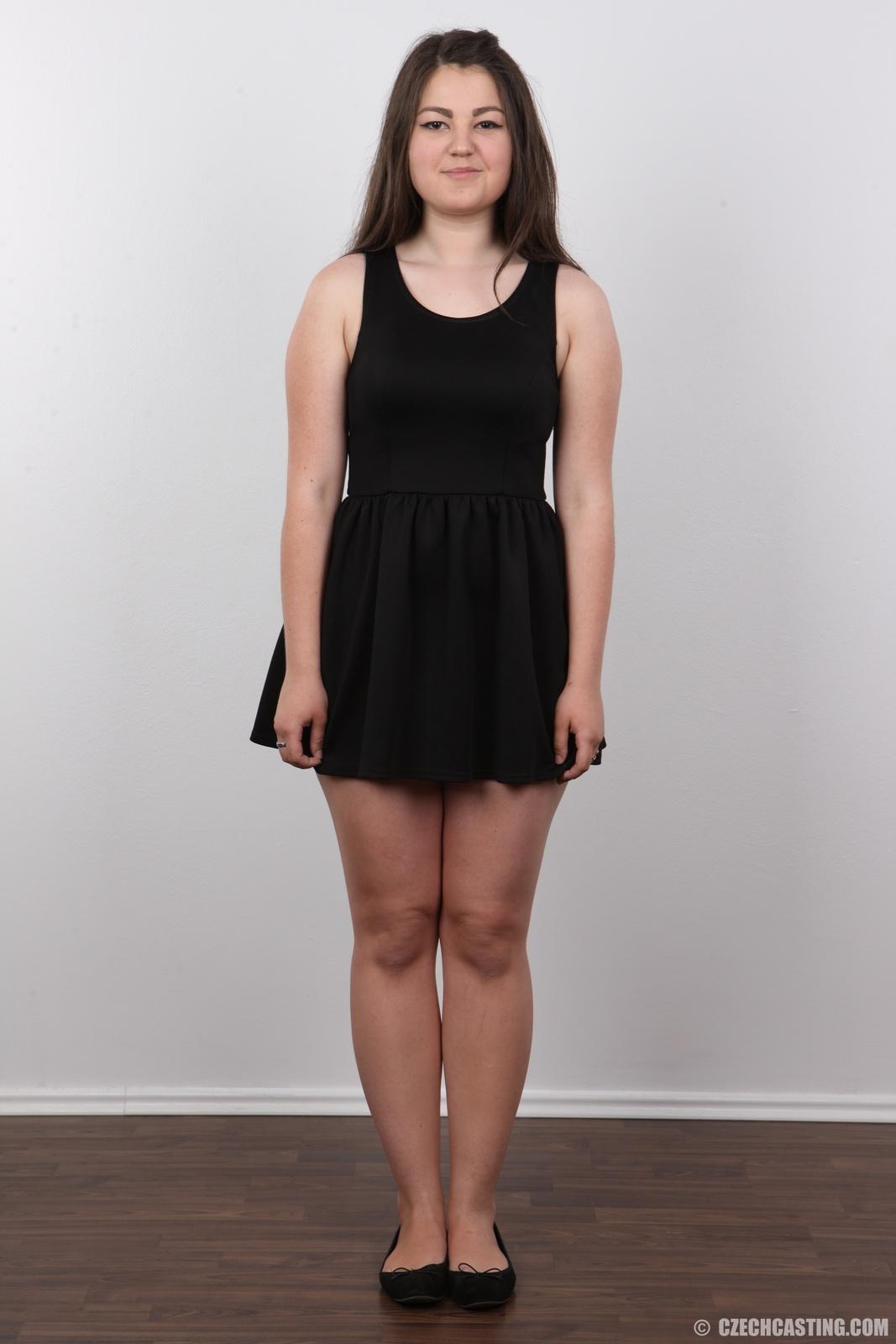 2 chech girls do their legs apart - 2 9