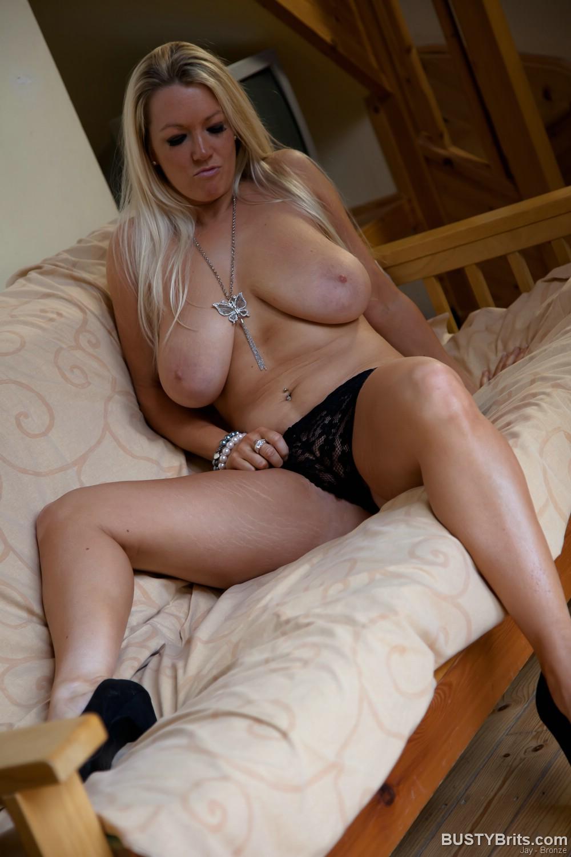 coed nebraska naked girl photo