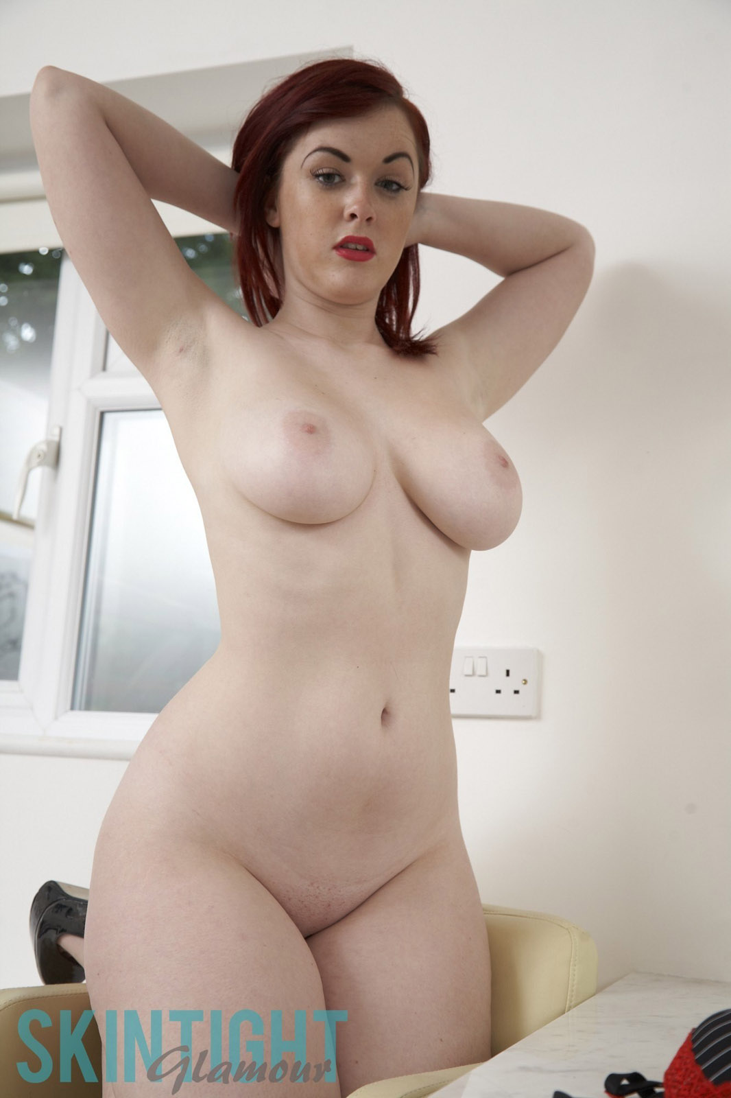 wel e to skin tight glamour the site that brings you the best of
