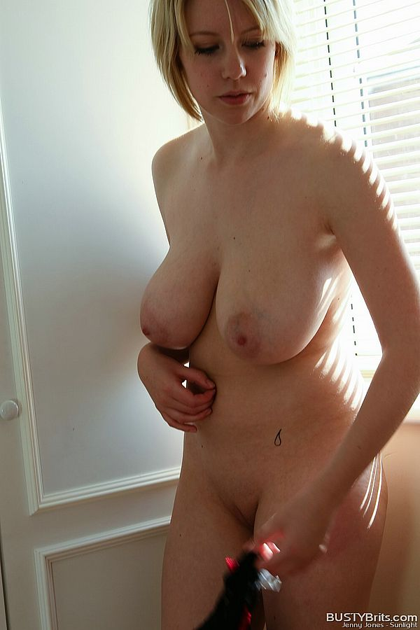 Naked neighbour presents