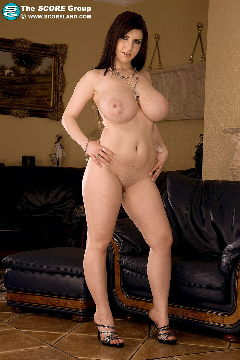 holywood images nude big boobs