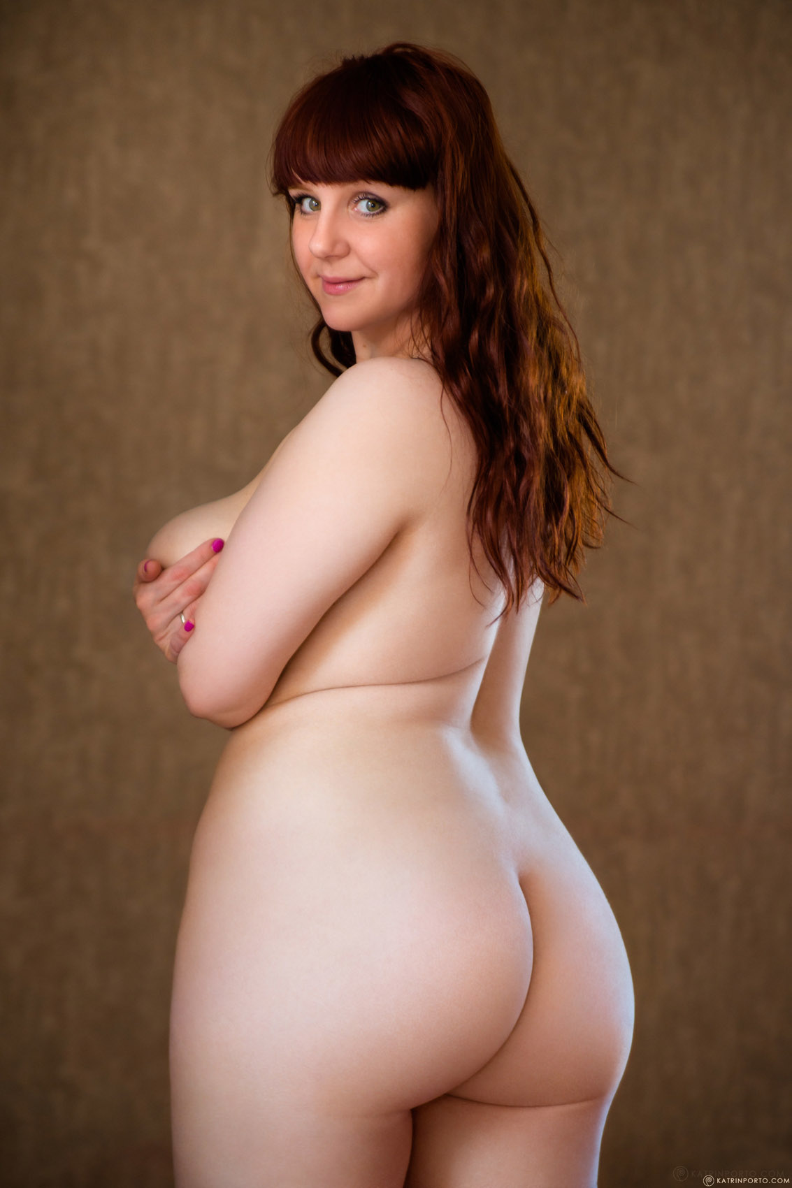 Naked pictures of thick and curvy women